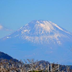 1月10日 ② 『自宅から90km先の富士 2021』