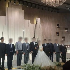 チェンが友人の結婚式に出席
