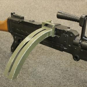 個性的な転入生 (?) FN MAG (後編)