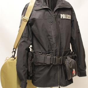 ドイツ警察セットをヤフオクに出品中!