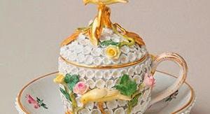 「デミタス コスモス」 珠玉のデミタス・カップ・コレクション