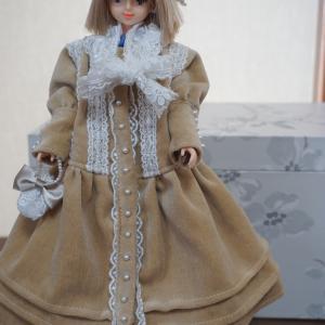やっと大作完成です!お人形さんの別珍のコートコレクション後編