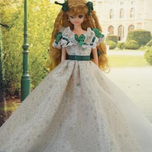 浅草橋人形店TOTOCOさんにお人形さんのドレスを送りました