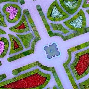 素敵な庭と洋館