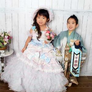 3歳 お姉ちゃんんもドレスで一緒に