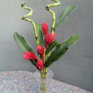 クリスマス風の生け花とアレンジメント♪