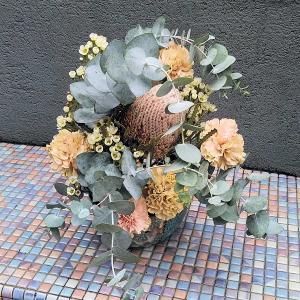 秋色のアレンジメントと生け花♪