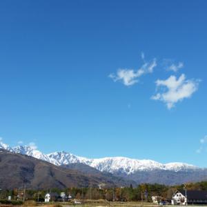 白馬三山に雪が❗