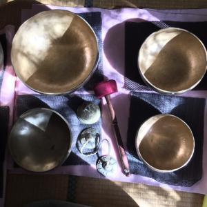 シドニー女子会のシンギングボウル瞑想