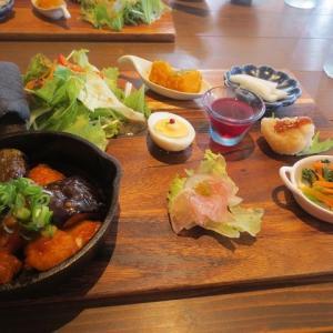 外食(スカロップ、ワンプレート)、オムレツ