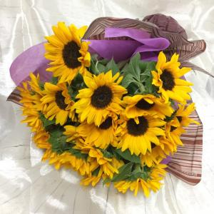6月 ひまわりの花束