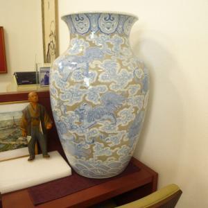 精磁会社の花瓶