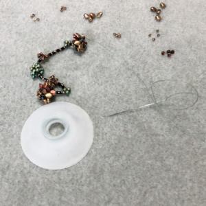 メタセコイアの実のネックレス