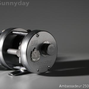 (OLD)アンバサダー2500C 77年が入荷!ハンドル交換されています。
