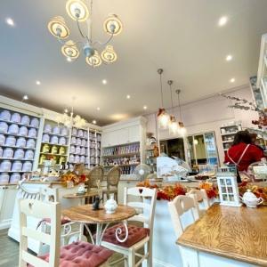 パリの大人気Salon de théへ。