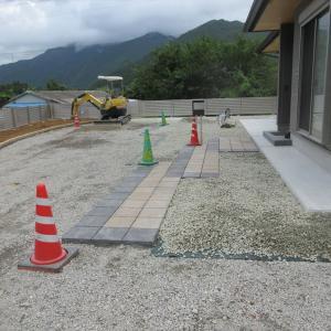 防草シート砂利敷き