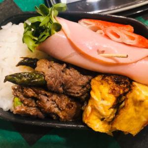 牛肉アスパラ巻きのお弁当。