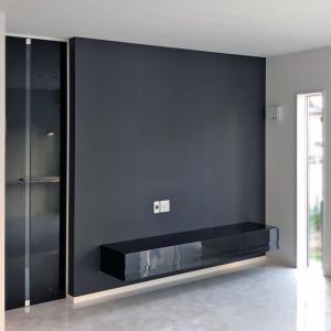 テレビボードのカラーは床に合わせなくても良い
