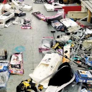 【速報】 黒人デモ隊がトラックでコリアンタウンに突入、韓国99店舗を破壊、放火、16億円を強奪