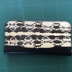 蛇 ラウンド財布