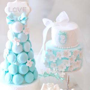 スポンジの上が、可愛いお花畑に♡Sweets Weddingコース
