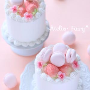 クレイで作るケーキ♡可愛いビオラをトッピング