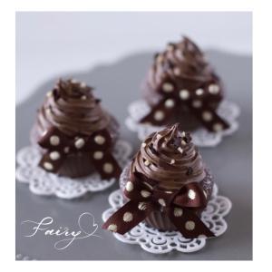 思わずペロッ♡としたくなる『チョコレートカップケーキ』