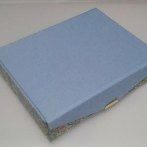 カルトナージュで折り畳みボックスを習いました。