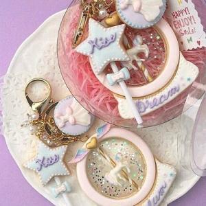 Snow dome unicorn cookie accessory