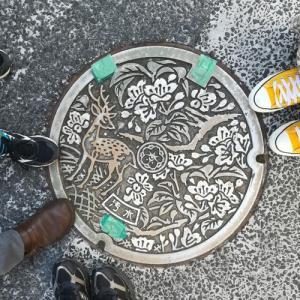 奈良市の鹿マンホール