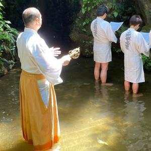 医王山油山寺で滝行体験和尚様のオーラが半端なく!龍神様が舞い降りた件