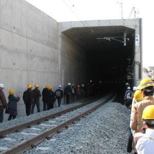JR九州ウオーキング。開業前の折尾駅の高架駅とトンネルを歩きました。その1