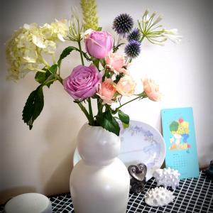 お花のアレンジ初心者の飾り方を紹介します ~6月のお花の定期便