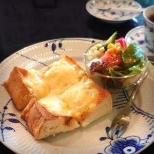 分厚いトーストととろりチーズが抜群です【先週、何食べた? 10/18~24】