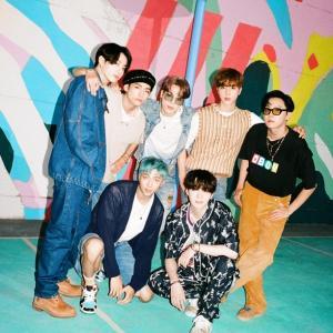 BTS「Dynamite」:風が吹き抜けるポップ・ソング、魂を吹き込むファンク・サウンド