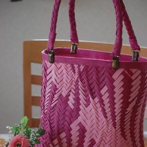 大人ピンクの波網代バッグ♪