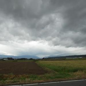 台風と火山灰と