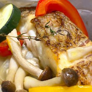 New Open! ロジオクさんの日替わりランチ「真鯛と野菜の包み焼き」