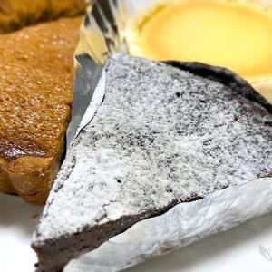 ラ・ギャミヌリィさんの「食後のデザート3種」と「巨大純白スイーツ」