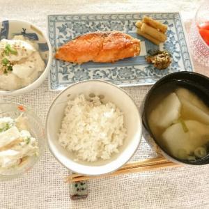 食器の片づけと、和食のごはん。