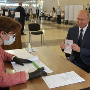 プーチンは時代に追い越された 改憲国民投票が突き付けた現実