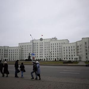 ベラルーシの民主化を牽引する地域は? ウクライナとの比較考察