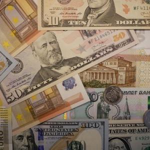 ロシアは中国とともに米ドル依存からの脱却を目指す