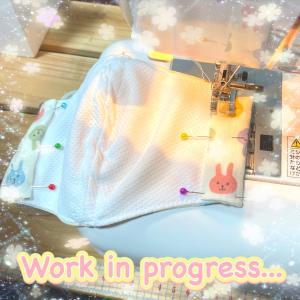 接触冷感マスクは、遅くとも8月10日までには販売開始予定で、制作頑張ってます☆(^o^)/