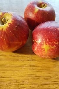 リンゴもらった!けどアレルギーなんだ・・・