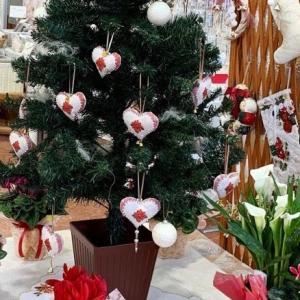 ホワイトツリーのクリスマスリースは締め切りとなりました!!