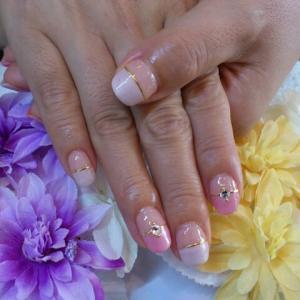 ヌーディカラーの指輪デザイン