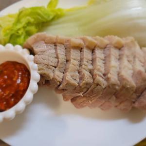 韓国グルメ・簡単に出来てお肉柔らか〜い 手作りポッサム