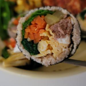 ダイエット中に作って食べたヘルシーな『韓国のり巻きキンパ』