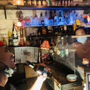 三軒茶屋『Bar Huddle』にチラシを貼って頂きました